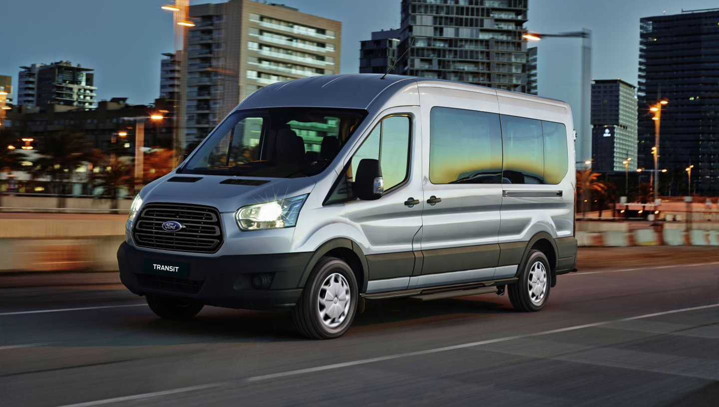 2016_ford_transit_bus_01